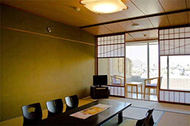 個室休憩室(2階和室10畳)